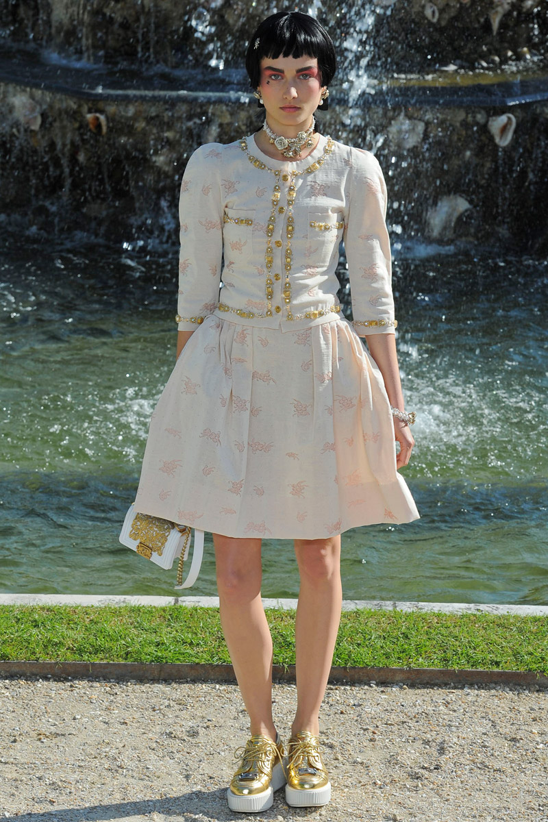 Chanel-rtw-resort-25_180806935515