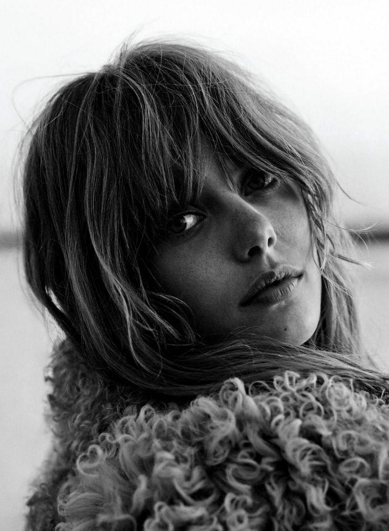 Frida-Gustavsson-by-Stefan-Heinrichs-for-Glamour-Paris-October-2014-1