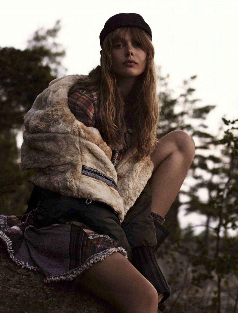 Frida-Gustavsson-By-Stefan-Heinrichs-For-Glamour-France-October-2014-13