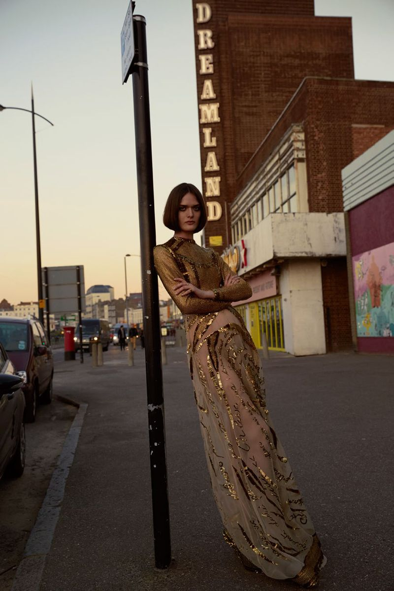11-vogue-turkey-may-2015-sam-rollinson-by-sean-and-seng